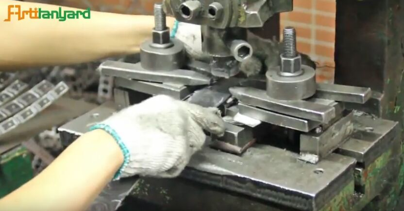 How is the process of DIY metal gifts