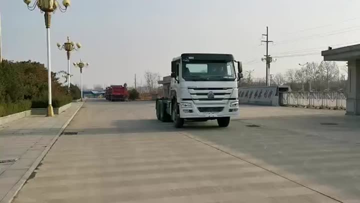 CAMION TRACTEUR 6X4 HOWO.mp4