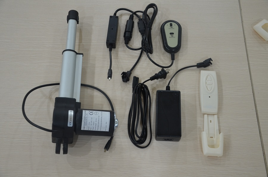 Electric linear actuator with handset controller