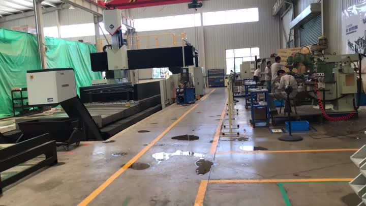 Factory Show - Milling Center.mp4