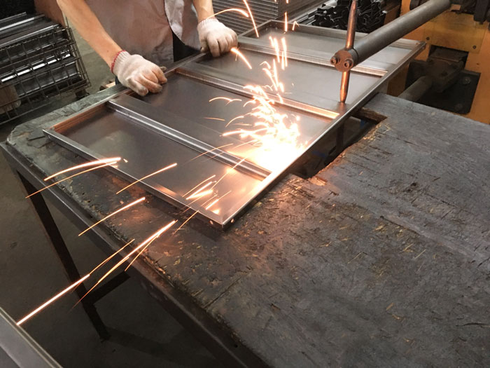 steel shelf welding