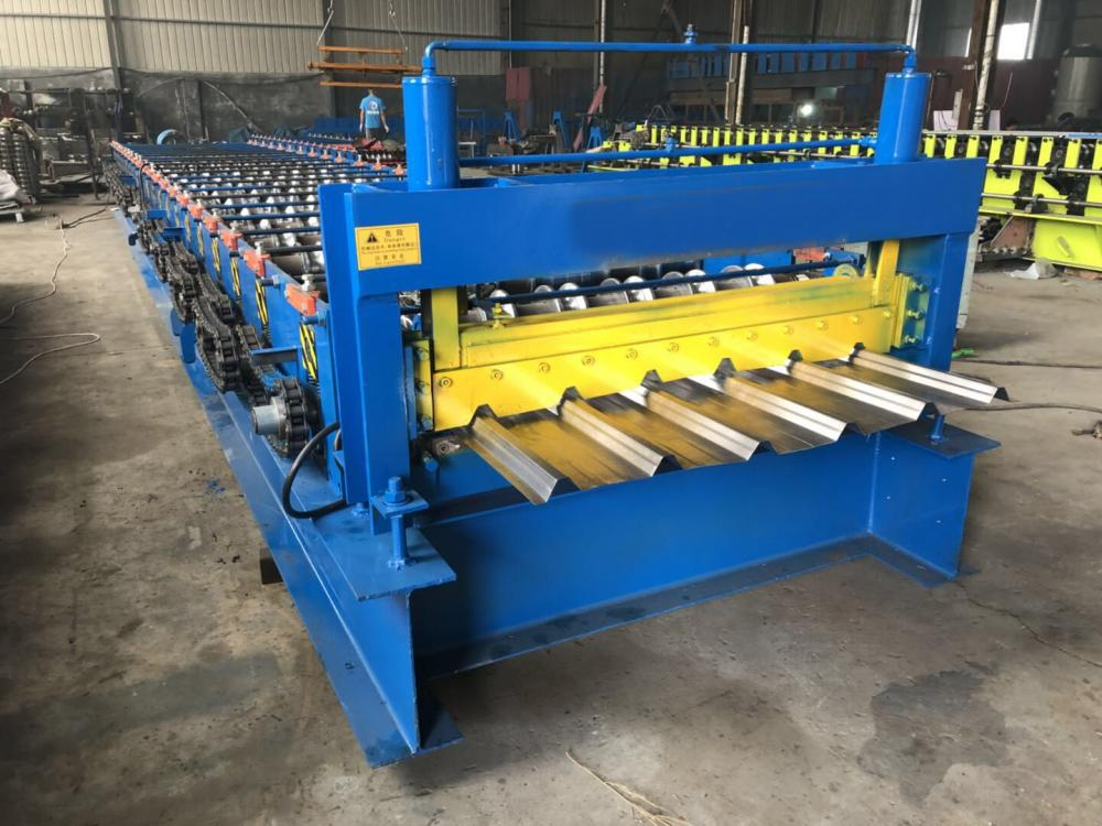 New type 1250 Sheet Roll Forming Machine