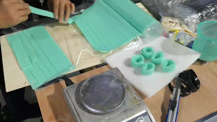 silicone wristband making process in our factory for testing the machine.mp4