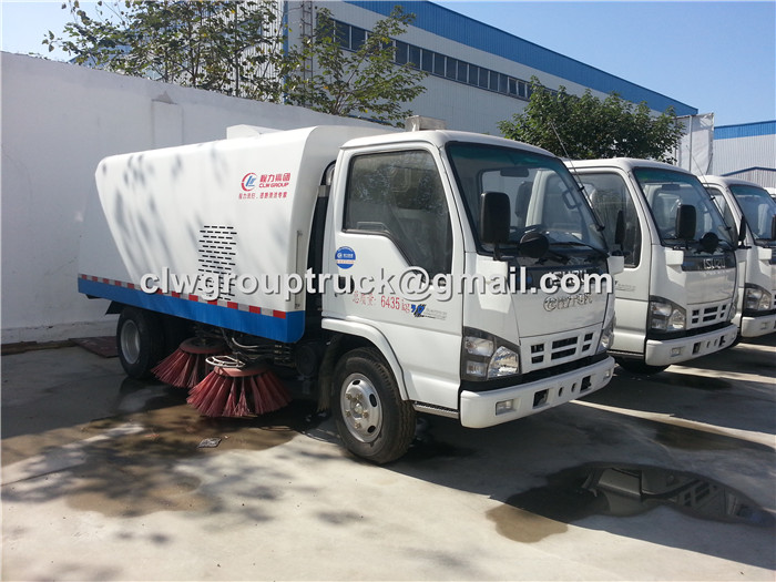 ISUZU Road Sweeper