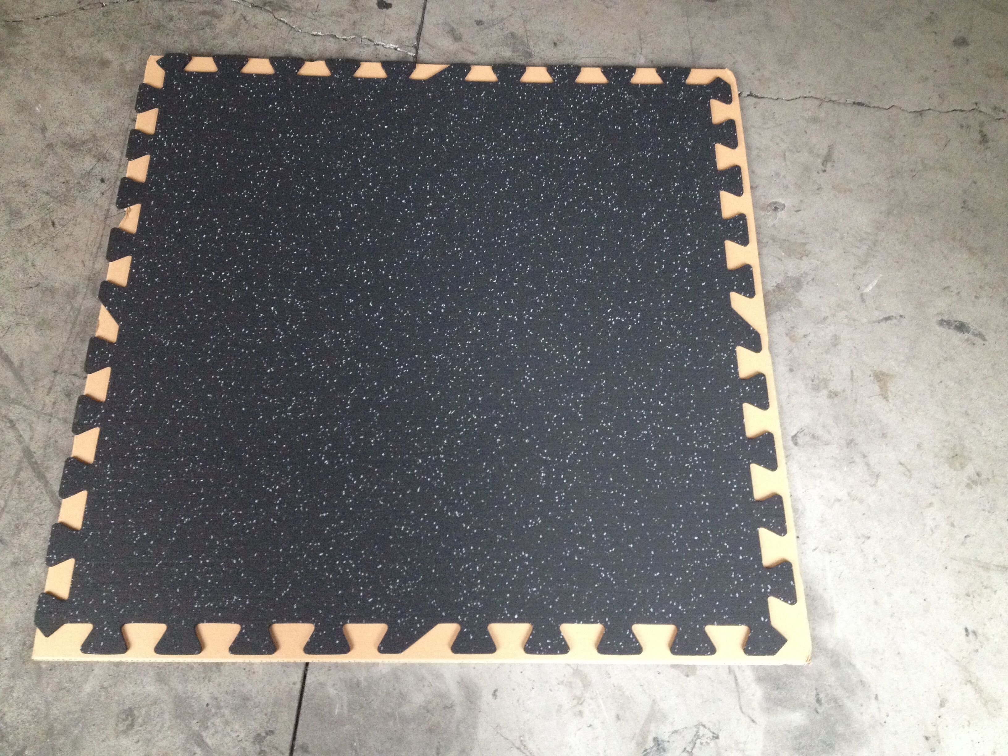 floor rubber interlock