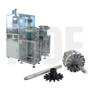 Endplatteneinsatzmaschine