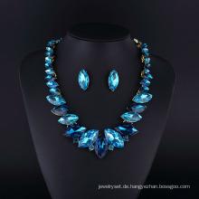 Saphir-Kristall-Rhodium-Überzug-Zink-Legierungs-Halsketten-Set