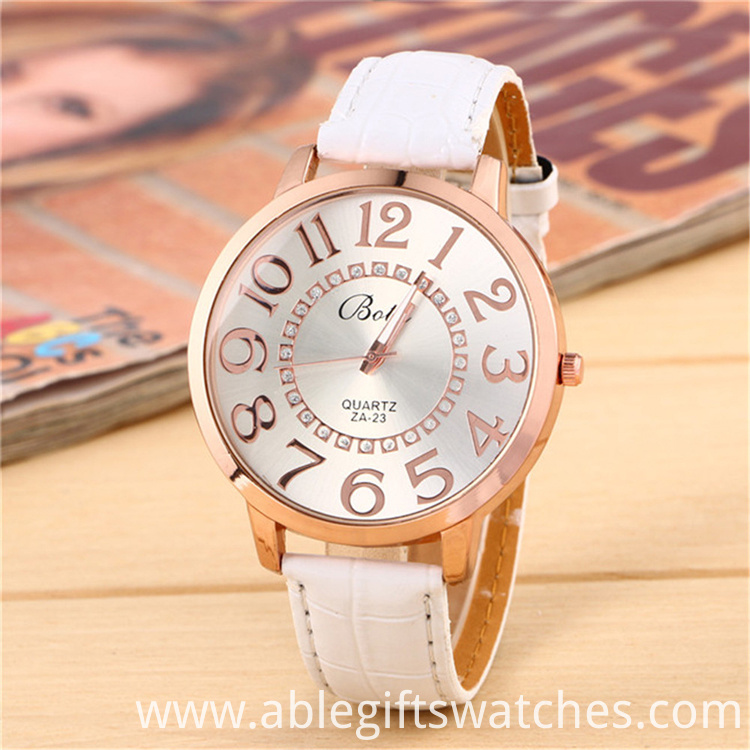 big size case quartz watch