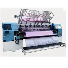 A alta velocidade informatizada 94 avança edredões das fibras do cobertor que acolchoam a máquina