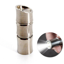 Mini lampe de poche rechargeable en titane à LED de 150 lumens