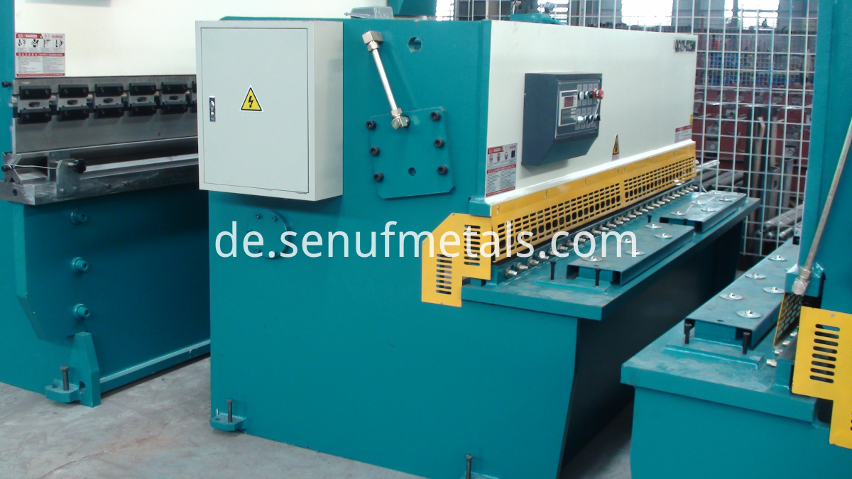 Hydraulic Guillotine Machine