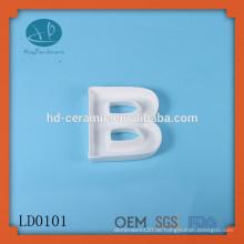 Design keramischen griechischen Alphabet Brief Gericht, BOO Brief Gericht, Neues Produkt einzigartige Design Dekoration kundenspezifische weiße Brief Gericht