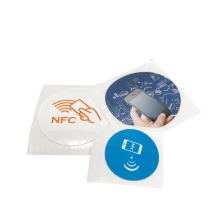 Étiquettes RFID anti-métal NFC Ntag autocollant