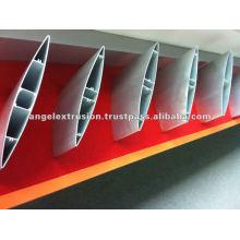 Profilé en aluminium pour persiennes