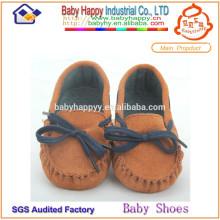 Фабричная оптовая случайная обувь мальчика