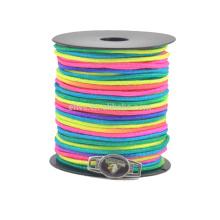 O arco-íris colorido novo 2mm paracord enrola o cabo do pára-quedas que faz o fornecedor da pulseira do paracord