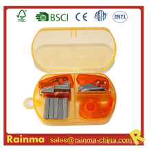 Мини-степлер в пластиковой коробке