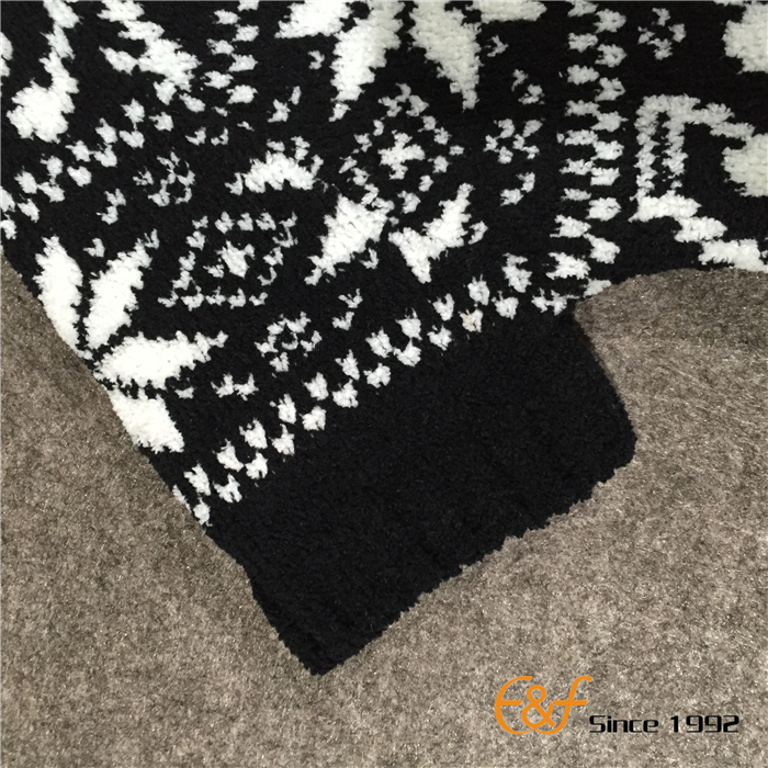 Snowflake Sweater with Short Sleeves