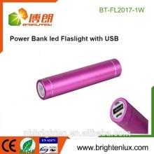 Le moins cher en gros Aluminium Metal 1 * 18650 batterie Promotionnel mini mini USB Chargeur de batterie avec lampe de poche