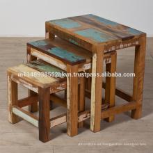 Antiguo conjunto de madera restaurada de 3 mesas de anidación