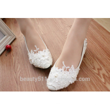 Les chaussures blanches blanches et les chaussures féminines WS014