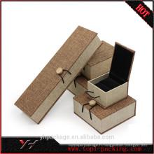 Boîte à bijoux de luxe imprimée par logo adapté aux besoins du client