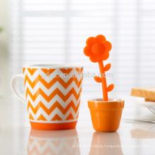 Schöner keramischer Tee infuser Becher für Förderung