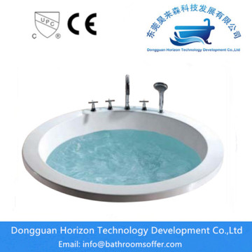 Water shortage protection hydraulic round bathtub
