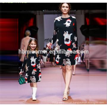 Venda quente mamãe e me boutique vestido vestidos projetos impresso traje de natal mãe e filha vestidos combinando