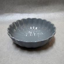 Керамическая чаша в форме цветка