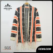 Suéter de punto con flecos y dobladillo de rayas de mujer