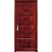 Porta de madeira maciça. Porta de pintura em madeira. Porta interior