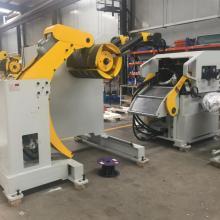 Машина для выпрямления катушек для штамповки деталей из металла