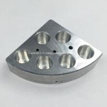 Usinage des composants en aluminium pour l'équipement de laboratoire