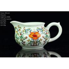 Famille Rose Blue & White Porcelain, Big Red Flower Pitcher, jarra de agua