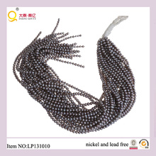 4-5mm Perle d'eau douce de pomme de terre grise Perdre des cordes de perles