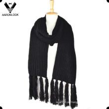 Bufanda larga hecha punto fría del invierno