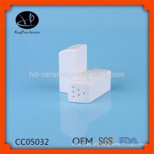 Ceramic salt and pepper shaker wholesale plastic lid for sale