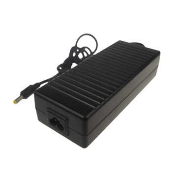 Adaptador de corrente alternada de carregador de laptop 24V / 5A com 5,5 * 2,5 mm