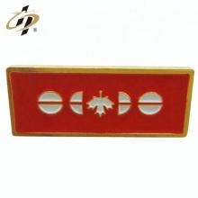 Personnalisez vos propres badges en métal or émaillé
