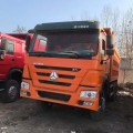 CAMION DOMPEUR 371HP HOWO