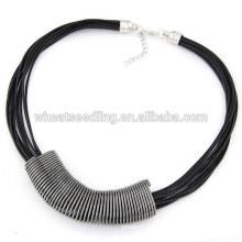 Collier de cordon de cire de mode européen avec pendentif en métal