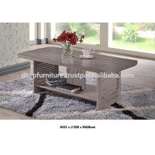 Table basse en bois avec étagère