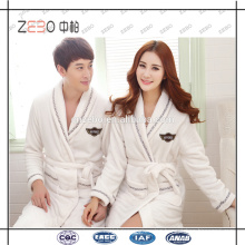 Guangzhou Factory Supply Custom Embroidery Logo White Bathrobe for Hotel or Spa