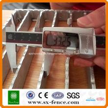 Treppengitterplatte aus Stahl