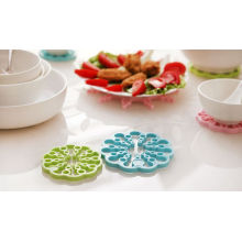 Hot Seller Flower Shape Collapsible Silicone Cup Mat