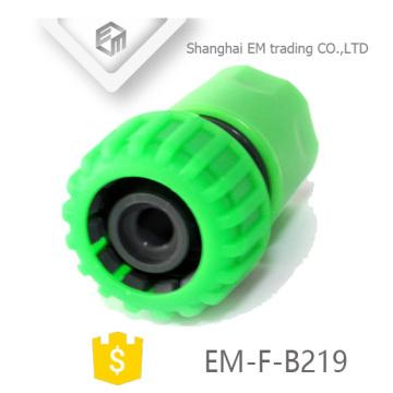EM-F-B219 Conector de manguera de plástico verde para jardín