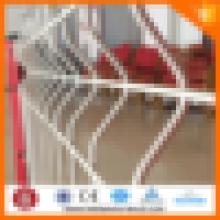 El precio bajo soldó la cerca del acoplamiento de alambre con el poste de la cerca del tipo del melocotón / el poste de la forma del melocotón de la alta calidad