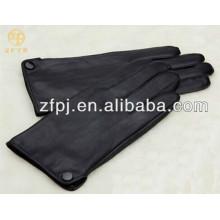 Hombres moda botón decorado PU guantes de cuero en invierno
