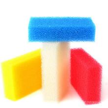 Esponja de platos coloridos
